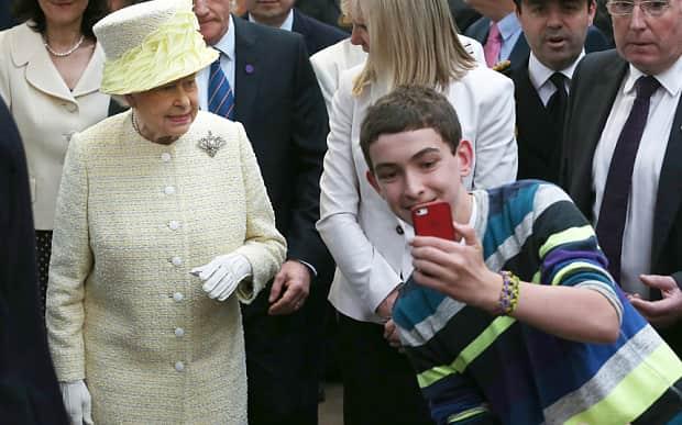 Queen-Social-Media